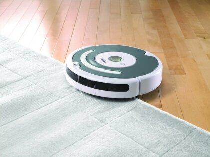 Тест DELFI Woman. Пригодится ли в хозяйстве робот-пылесос?